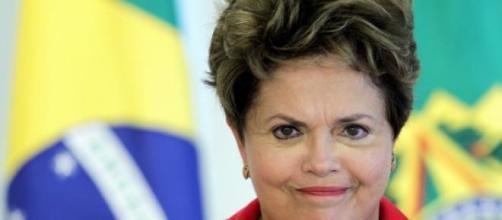Dilma em evento fala sobre 'cibercrimes'.