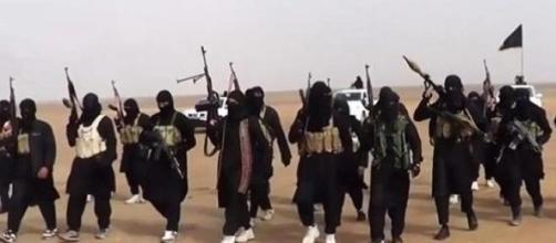 Terrorismo, trovate dieci fosse comuni a Tikrit