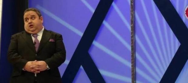 Fernando Mendes apresenta Preço Certo há 12 anos.