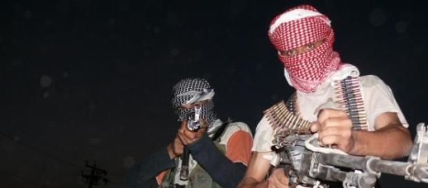 Iraq, trovate fosse comuni con 1700 soldati