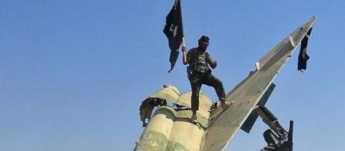 isis, orrore in siria: mille morti