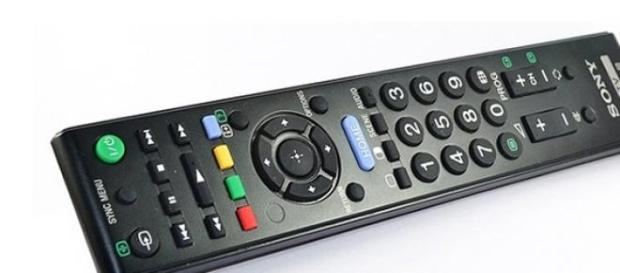 Programmi Tv stasera Rai e Mediaset 10 aprile 2015