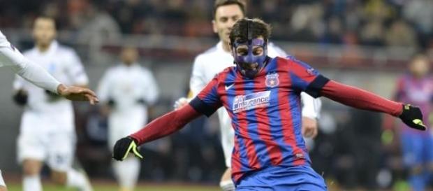 Steaua ar dori sa il cumpere pe Raul Rusescu