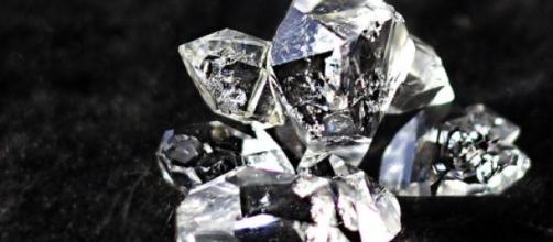 A desire for diamonds: some extraordinary heists