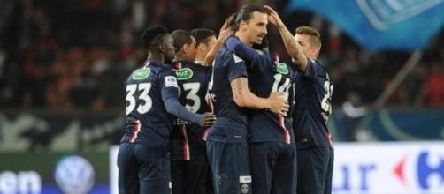 L'équipe du PSG autour de Zlatan.
