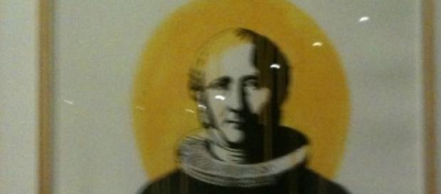 Dolk: Figura renascentista com uma lata de spray
