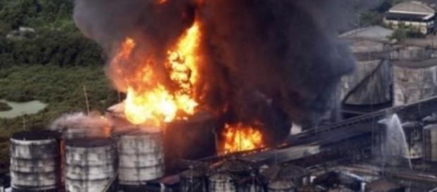 Incêndio no porto de Santos prejudica exportação