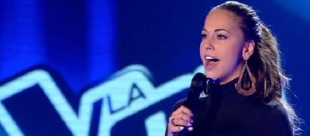 Nalaya en su actuación en 'La Voz'