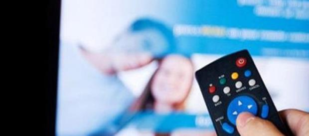 Programmi Tv stasera Rai e Mediaset 11 aprile 2015