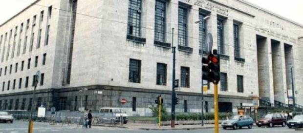 Terrore in Tribunale: imputato spara in udienza