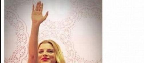 Emma Marrone omaggio al duce (foto facebook)