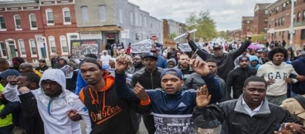 Manifestantes durante las protestas en Baltimore