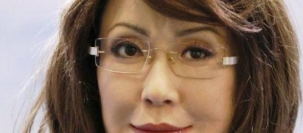 YangYang, femeia robot care vorbeşte şi se mişcă