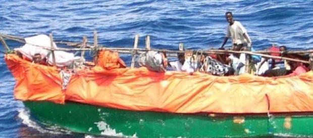 Migranti sui barconi in cerca di libertà in Italia