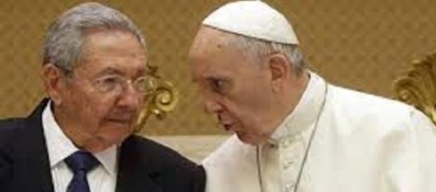 Raul Castro e il Pontefice nel loro incontro