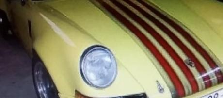 El Porsche 911 con la bandera catalana en el capó