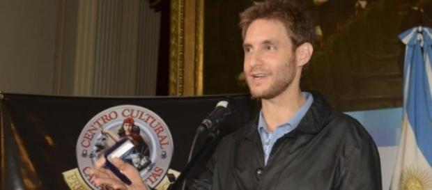 El argentino escribirá un guión para Hollywood