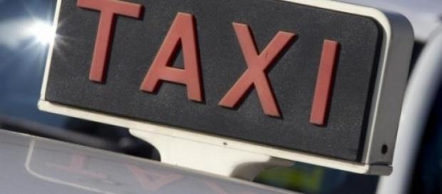 Fare il tassista è diventato un lavoro a rischio