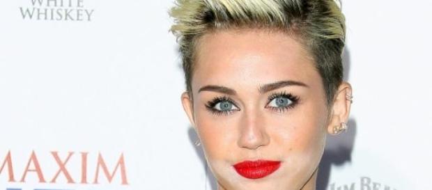 Miley Cyrus sorprende en Instagram de nuevo.