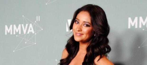 Pretty Little Liars-Star Shay Mitchell.