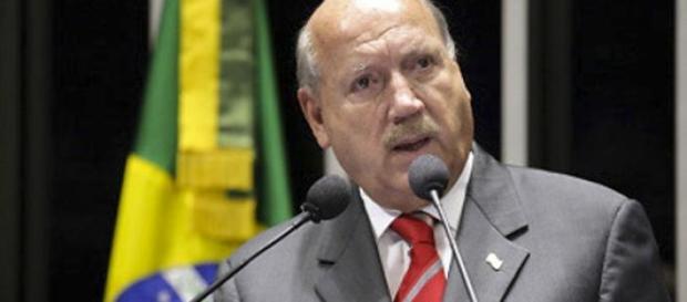 Senador Luiz Henrique da Silveira.