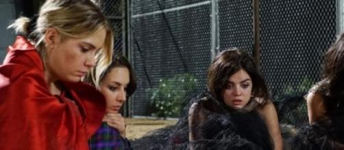 sneak photo from PLL summer premiere