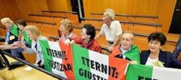 Cittadini di Casale Monferrato al processo eternit