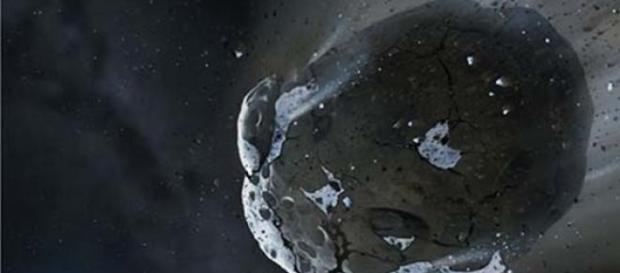 El Asteroide 1999 FN53 dirigiéndose a la tierra