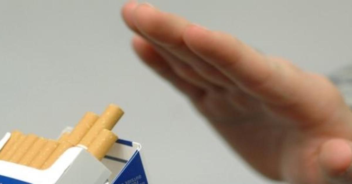 a smettere di fumare - Traduzione in inglese - esempi italiano | Reverso Context