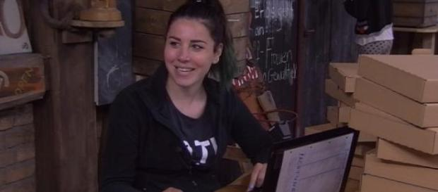 Kate schreibt was sie muss! Fotos:Sat.1-Livestream