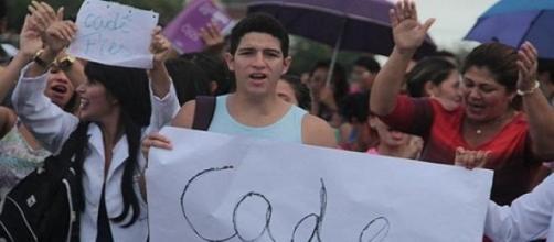 Estudantes manifestando para o FIES