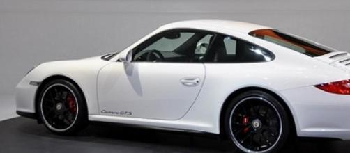 Porsche bianca, per qualcuno è più di un'auto