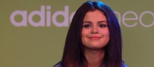 Selena Gomez respondeu às perguntas dos fãs