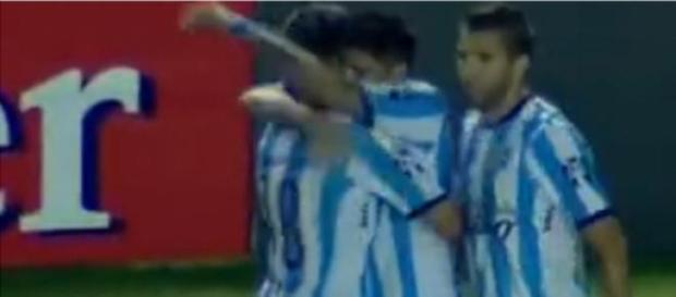 Bou festejando el segundo gol de la Academia