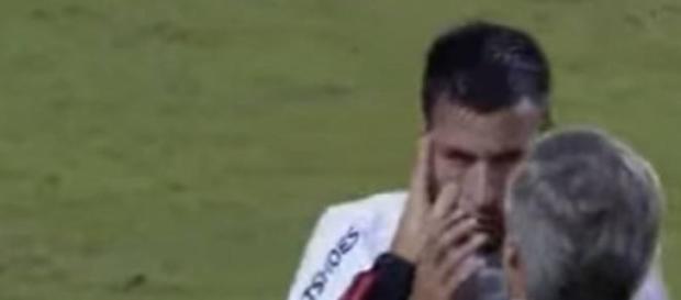 Los jugadores sufrieron el efecto del gas pimienta