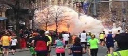 L'esplosione vista da un'altra angolazione.