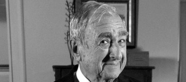 Após queda de escada, morre ator Elias Gleizer