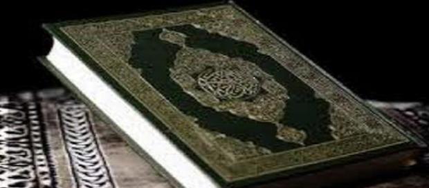Les salafistes souillent le Coran