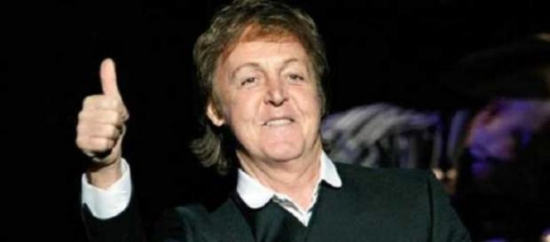 Paul le da el visto bueno a una reunion de Oasis.