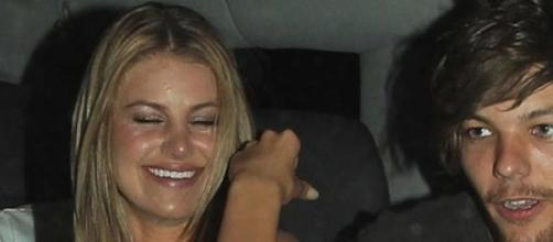 Louis Tomlinson e Briana juntos e de mãos dadas