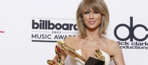Trionfa Taylor Swift con 8 statuette.