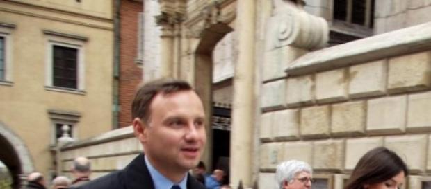 Andrzej Duda rozmyślający nad sensem pieniądza