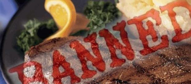 Carne de om in meniul unui restaurant