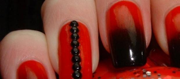 Rojo y negro, decoradas en degrade.