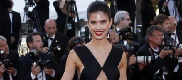 Sara Sampaio no festival de Cannes