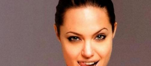 Angelina é uma das atrizes mais bem pagas
