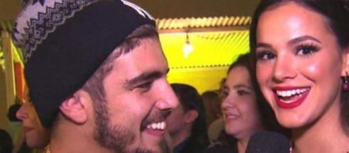 Caio Castro e Bruna Marquezine muito íntimos