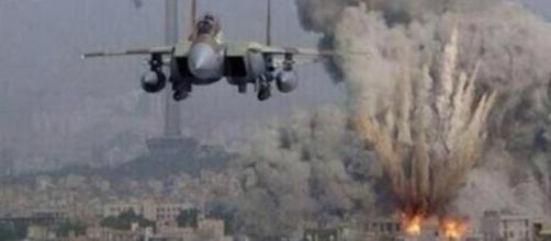 Tras el ataque aéreo aún buscan a 13 personas