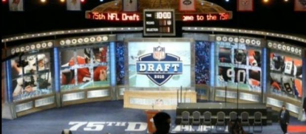 Mucho movimiento en el draft durante el día 2
