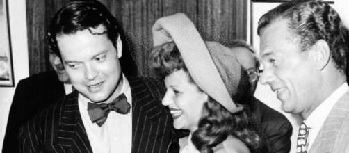Rita y Orson Welles en uno de sus actos públicos